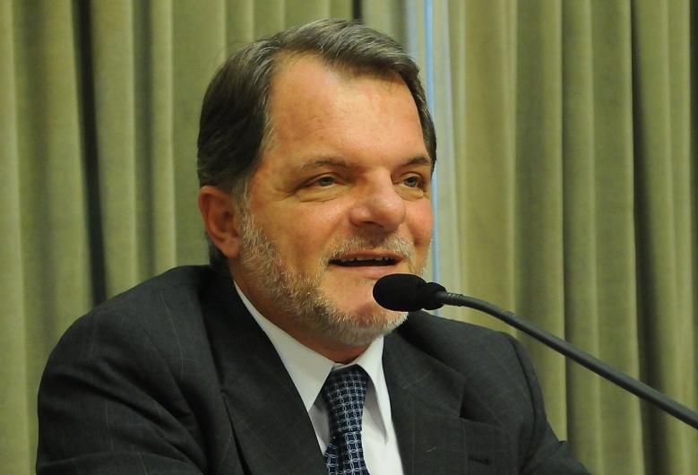 Chefe do Executivo entre 1997 a 2000, Bragato foi condenado por improbidade administrativa em ação que investigou suposta fraude na compra de leite