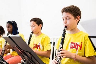 São mais de 30 cursos gratuitos de música para crianças, adolescentes e jovens de 6 a 18 anos incompletos