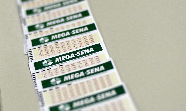 Apostas na Mega-Sena podem ser feitas em lotéricas ou pela internet