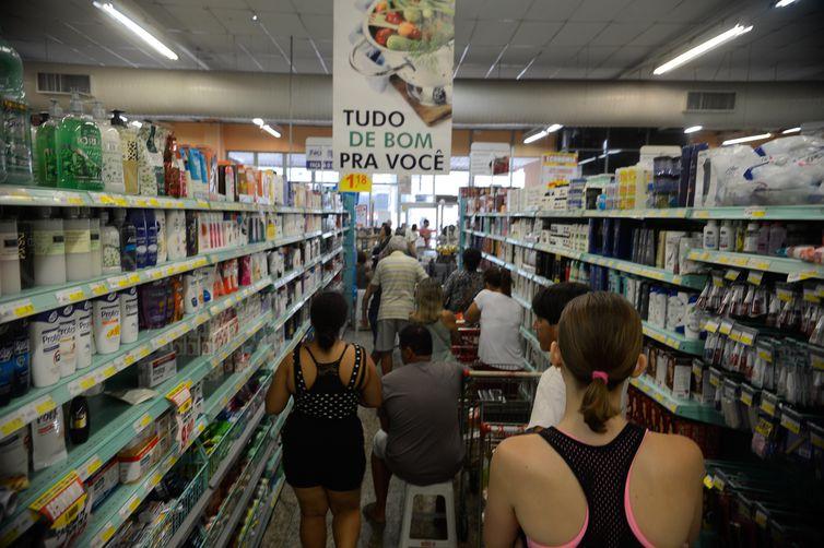 Prudentino precisa desembolsar, em média, R$ 819,54 para adquirir produtos que compõem a cesta básica