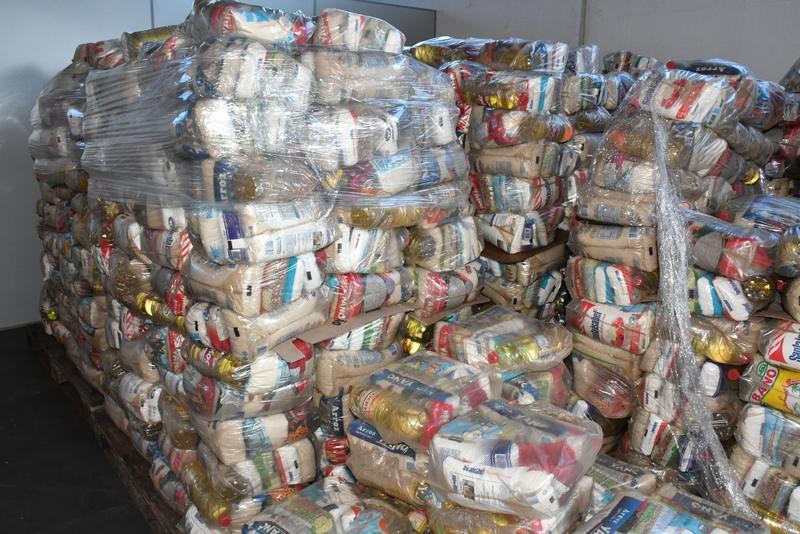 Kits são compostos por alimentos da cesta básica, além de itens de hortifrútis