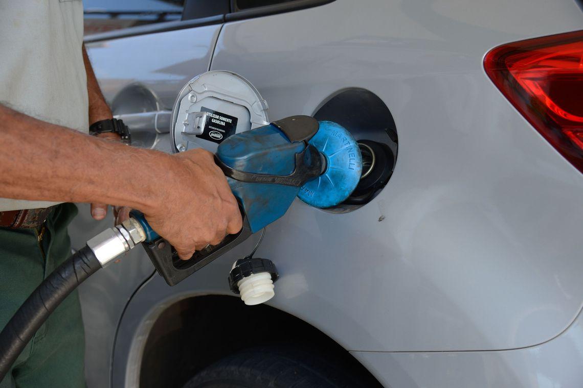 Proposta torna, na prática, o ICMS invariável frente a oscilações no preço dos combustíveis